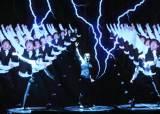 [J Report] 진짜 춤꾼은 한 명 … 3D 홀로그램의 마술