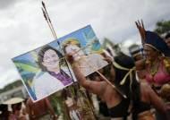 [사진] 브라질 원주민들의 수정헌법안 승인 반대 시위