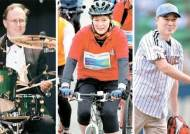 자전거 타고, 야구장 시구 … 미 대사들의 스킨십 외교