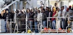 내전·IS 지옥 탈출 … <!HS>리비아<!HE> <!HS>난민<!HE>선 전복 700명 숨진 듯
