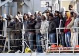 내전·IS 지옥 탈출 … 리비아 난민선 전복 700명 숨진 듯