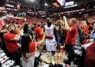 [NBA] '역전의 제왕' 휴스턴, LAC 따돌리고 서부 결승행