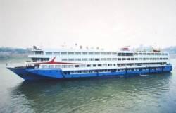 中 양쯔강 여객선 침몰, 400여명 실종…선장·기관사 탈출