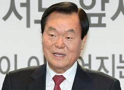 """""""김형욱, 박정희를 독재자로 비난했지만 근대화 업적 이룬 '위대한 인물' 로도 표현"""""""