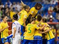 한국 여자축구, 강호 프랑스에 0-3 패...8강 진출 실패