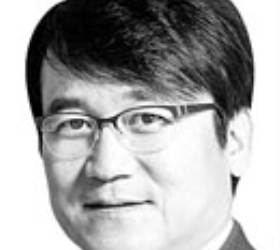 [데스크 view &] ICT 유전자 메기, 은행 판도 흔들까