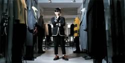 [<!HS>당신의<!HE> <!HS>역사<!HE>] 조용필 재킷, 소방차 승마바지…8090 패션을 만든 '장쌤'