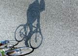 [사진기자 김성룡의 사각사각] 보호해야 할 '도로의 약자' 자전거