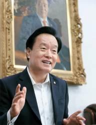 [이정민이 만난 사람] 정치개혁 총대 멘 이병석 위원장