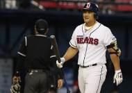 홍성흔 홈런, 포스트시즌 통산 100안타…홈런으로 기록