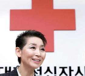 [남정호의 직격 인터뷰] 이산가족 상봉 정례화 위해 뛰는 김성주 <!HS>대한적십자사<!HE> 총재