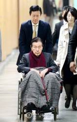 신격호, <!HS>제2롯데월드<!HE> 전격 방문…'입장금지' 신동주 경찰 신고