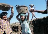 '세계의 공장' 후보 된 미얀마 … 군부 결탁 크로니 개혁 숙제