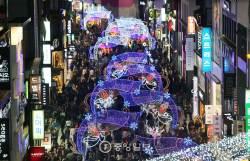 """대학생 커플 60.6% """"크리스마스 부담돼""""…둘이서 호텔ㆍ여행은 13%"""
