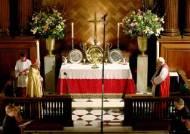 헨리 8세 궁전서 가톨릭 미사? 무덤서 돌아눕겠네