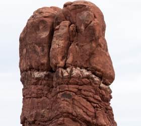 [<!HS>주기중의<!HE> <!HS>썰로<!HE> <!HS>푸는<!HE> <!HS>사진<!HE>] 미국 서부 협곡의 '대물' 바위