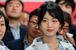 연예인급 미모 딸에 열광…유승민 SNS서 '국민장인'