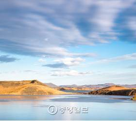 [고아라의 아이슬란드 오디세이] ⑬ 불과 물이 빚어낸 신비의 땅, 미바튼