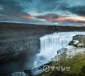 [고아라의 아이슬란드 오디세이] ⑮ 하늘이 초록빛 춤을 추다
