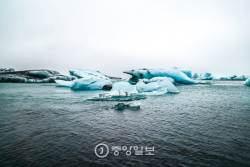 [고아라의 아이슬란드 오디세이]  천년의 세월이 호수 위를 떠다니네