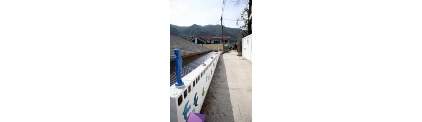 [<!HS>트래블맵<!HE>] 빛바랜 금광 마을 미술로 색깔 입다