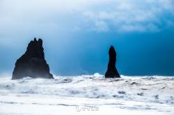 [고아라의 아이슬란드 오디세이]  고독과 위로의 검은 해변, 레이니스피아라