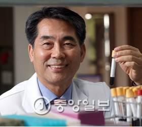 [2016 <!HS>퍼스트펭귄<!HE>] 15년의 땀방울…피 한 방울로 6대 암 90% 잡아내죠