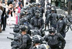 [채병건 <!HS>특파원<!HE>, <!HS>현장을<!HE> <!HS>가다<!HE>] AR-15 소총 들고온 백인…거대한 참호로 변한 클리블랜드