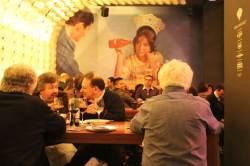 [독자 이벤트] 스페인의 유쾌한 식사 시간 벽화 속 여인은 왜 뾰로통할까요 外