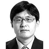 [<!HS>권석천의<!HE> <!HS>시시각각<!HE>] 한국적인 샐러리맨의 죽음