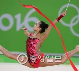 <!HS>손연재<!HE>, 리듬체조 갈라쇼 열어…금메달 마문 참가