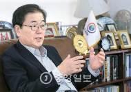 [김진국이 만난 사람] 외교부 폐쇄적…마음 열어 민간외교 적극 활용해야