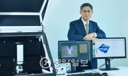 [2016 <!HS>퍼스트펭귄<!HE>] 세계 2위, 국내 유일…원자현미경 분야 '매운 고추'
