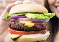 빌 게이츠가 탐내는 차세대 먹거리는…미국 최대 육가공 업체도 투자