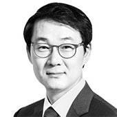 [데스크 view &] 박 대통령, <!HS>정몽구<!HE>·이재용과 독대하라