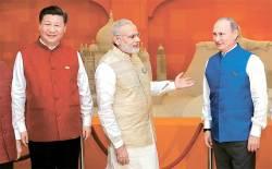 [사진] 인도 브릭스 정상회의서 만난 시진핑·모디·푸틴