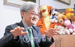 """[배영대의 지성과 산책] """"조영남·이우환 논란 미술계서 풀었어야…법정에선 한계"""""""