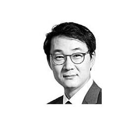 [데스크 view &] 광화문 시위에서 한국 경제 희망을 읽다