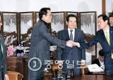 대통령 운명 결정 짓는 D데이…야권, 내달 2일 의견 접근