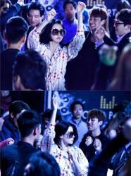 <!HS>이영애<!HE>, '금자씨' 차림으로 클럽서 파격 댄스 '포착'