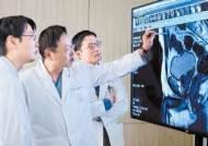 [건강한 가족] 중증 비뇨기 환자의 희망…국내 최소침습수술 선도