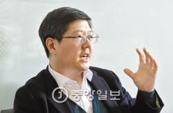 """김홍걸 """"DJ, <!HS>연평해전<!HE> 때 축구관람 허위사실""""…정규재 주필 고발"""