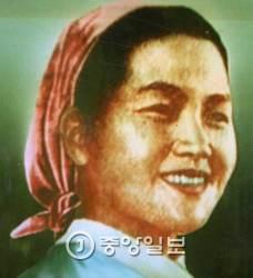 <!HS>김정일<!HE> 일생의 '4명의 <!HS>여자<!HE>' 보니…첫 동거녀가 성혜림