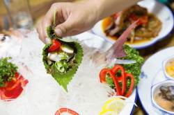 [땅이야기 맛이야기] 경남(3) 살아있는 바다의 맛! 삼송횟집