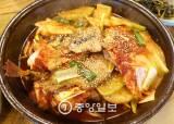 [이택희의 맛따라기] 동해·설악의 맛 한 그릇에 … 속초 아바이마을 '<!HS>옥이네밥상<!HE>' 생선찜