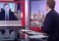 """""""아빠 일하는 중이잖아!"""" 英 BBC 탄핵 생방송 중 난입한 꼬마들"""