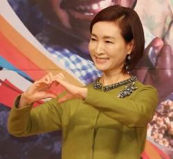 "[<!HS>선거와<!HE> <!HS>나<!HE>] 배우 정애리 ""가족·<!HS>나<!HE>라 사랑한다면, 투표의 수고 감내해야"""