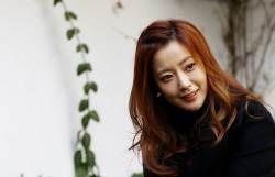 "[<!HS>선거와<!HE> <!HS>나<!HE>] 배우 김희선 ""엄마의 투표, 자녀의 세상 열어주는 일"""