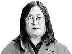 """3년 만에 송환된 유섬나, 모든 혐의 부인 """"도피한 적 없어 … 세상 바뀌길 기다렸다"""""""