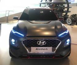 현대차와 마블이 만났다…행사장에 깜짝 등장한 '코나 아이언맨 스페셜 에디션'